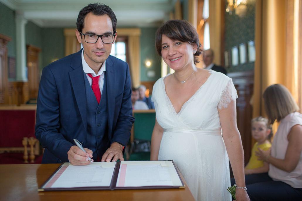 marié signe le registre
