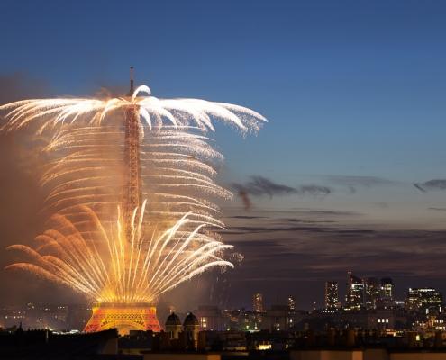 feu d'artifice tour eiffel 14 juillet