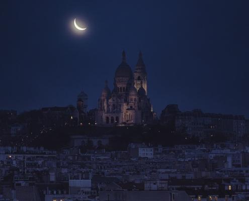 Montmartre sous la lune