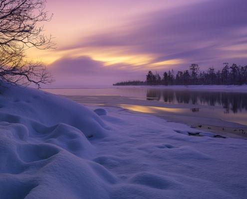 Neige sur lac en laponie finlandaise