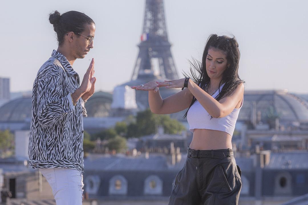 Souf et Lyna Mahyem pendant le tournage de leur dernier clip