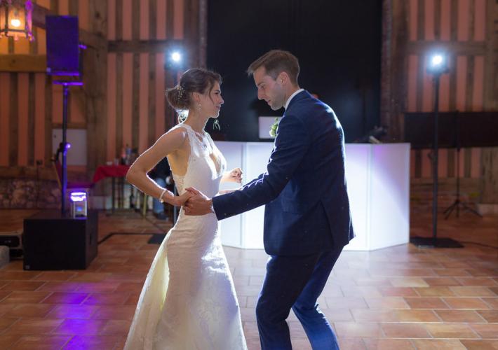 couple qui ouvre le bal
